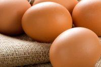 Γιατί δεν πρέπει να βάζουμε τα αυγά στην πόρτα του ψυγείου