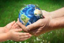 22 Απριλίου : Εορτασμός της Ημέρας της Γης με ένα hashtag για τον πλανήτη μας