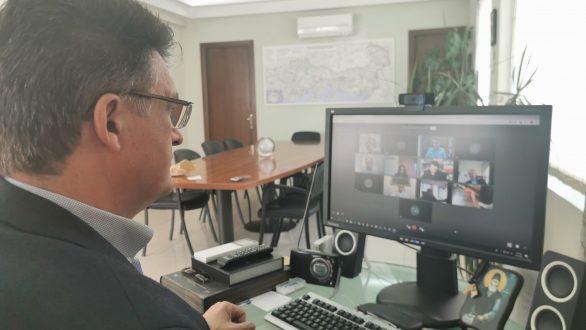 Τηλεδιάσκεψη Πέτροβιτς με εκπροσώπους συλλογικών φορέων για την σταδιακή άρση των μέτρων
