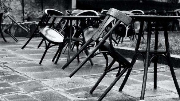 Empty Chairs από τους ανθρώπους της μαζικής εστίασης της Ορεστιάδας