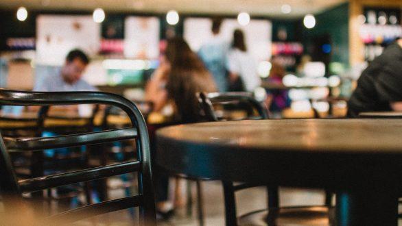Μείωση ΦΠΑ: Ο νέος τιμοκατάλογος σε καφέ, σινεμά – Τι θα πληρώνουμε από 1η Ιουνίου