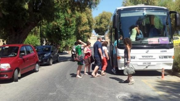 Ερώτηση βουλευτών του ΣΥΡΙΖΑ για την επιστροφή των χρημάτων των σχολικών εκδρομών