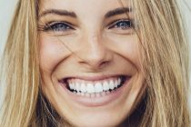 Tο φρούτο που είναι η καλύτερη φυσική οδοντόκρεμα