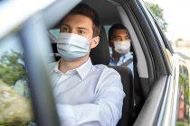 Πόσα άτομα επιτρέπονται σε ΜΜΜ, ταξί και αυτοκίνητο, πότε είναι υποχρεωτική η μάσκα