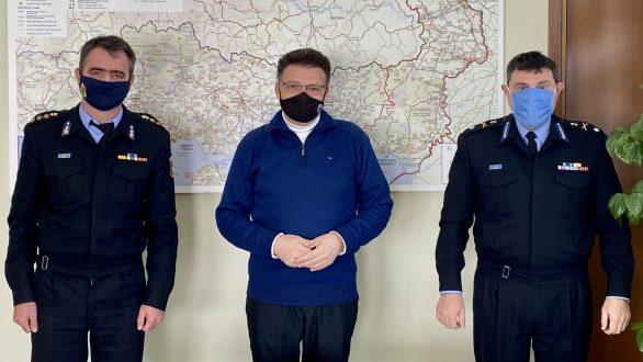 Συνάντηση Πέτροβιτς με τους νέους διοικητές της Πυροσβεστικής