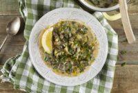 Παραδοσιακή μαγειρίτσα αυγολέμονο