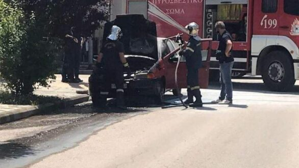 Φωτιά σε όχημα στο κέντρο της Ορεστιάδας