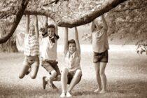 Γιατί οι γονείς μας έμοιαζαν πιο ξέγνοιαστοι στις διακοπές απ' ότι εμείς σήμερα